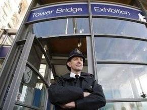 В Лондоне лифт Тауэрского моста вместе с пассажирами сорвался в шахту