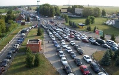 На кордоні з Польщею скупчилися півтисячі авто