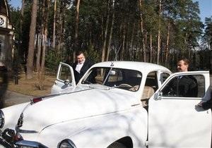 Фотогалерея: Янукович в Горках. Неофициальная встреча Медведева с Януковичем