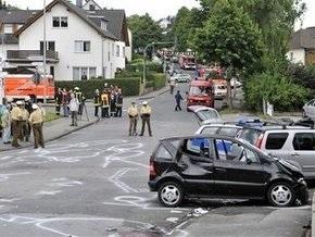 В Германии автомобиль сбил более 40 человек: трое скончались