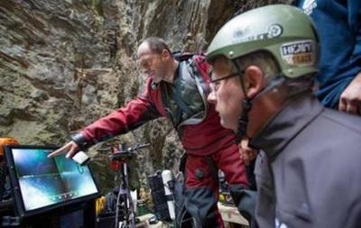 Вчені знайшли найглибшу підводну печеру