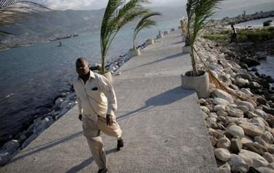 Мешканців Гаїті евакуюють через угаран  Метью