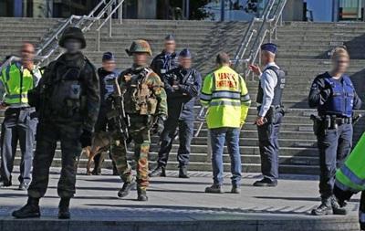 Неизвестный напал с ножом на полицейских в Брюсселе
