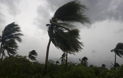 Ураган Николь усилился до опасной категории