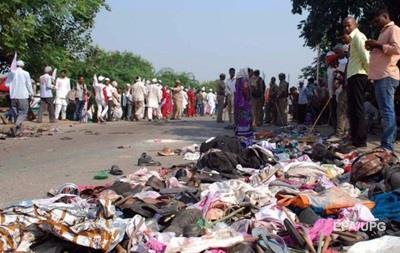 В давке на религиозном фестивале в Индии погибли 19 человек