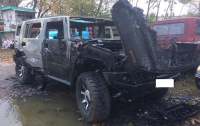 Возле полиции в Кременчуге сгорел задержанный Hummer