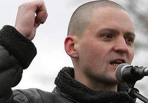 Оппозиционер Удальцов доставлен в мировой суд в Москве