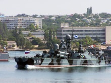 Поврежденные в Грузии корабли ЧФ РФ не возвращаются в Севастополь