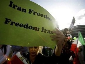 Оппозиция вновь вышла на улицы Тегерана
