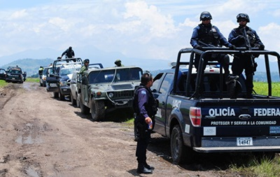 У Мексиці бандити захопили і кілька годин грабували селище