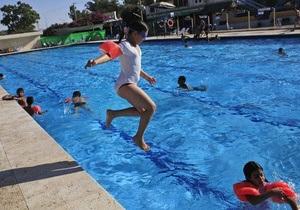 В Швейцарии суд обязал мусульманскую семью разрешить детям плавать в смешанном бассейне