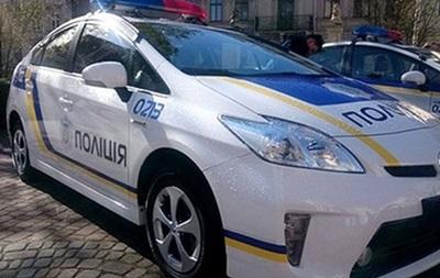 У Дніпрі патрульні розбили Prius на слизькій дорозі
