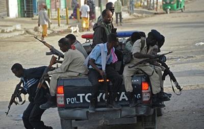 В Сомали у парламента взорвали автомобиль