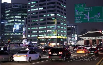 У Південній Кореї мають намір замінити дзеркала в автомобілях на камери