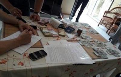 У Дніпрі суддя й адвокат заволоділи квартирами на 77 млн грн