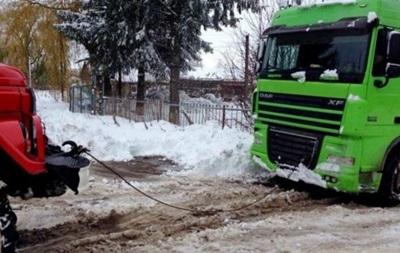 Українців попереджають про туман і ожеледицю на дорогах