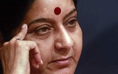 Жителі Індії пропонують свої нирки для пересадки голові МЗС
