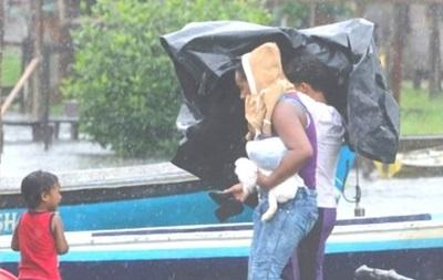 На Центральну Америку налетів ураган Отто