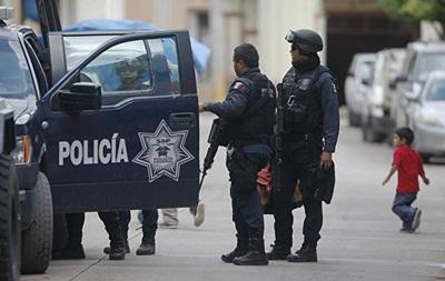 В Мексике в тайных захоронениях нашли тела 32 человек