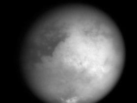 Ученые: На Титане могут обитать взрывоопасные живые организмы