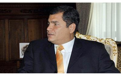 Президент Еквадору просить міністрів піти у відставку