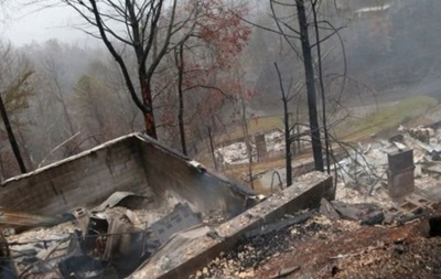 Торнадо і пожежі в США: 10 людей загинули