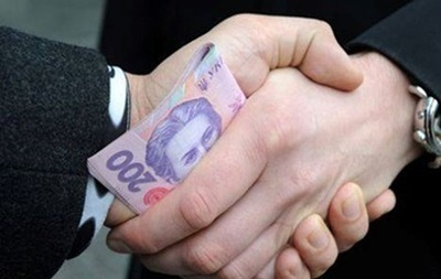 В Харькове руководитель налоговой попался на взятке в полмиллиона