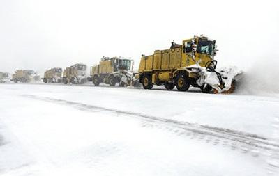 В Чикаго из-за снегопада отменили тысячу авиарейсов
