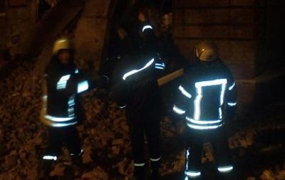 Обвалення гуртожитку в Чернігові: з-під завалів дістали тіло жінки