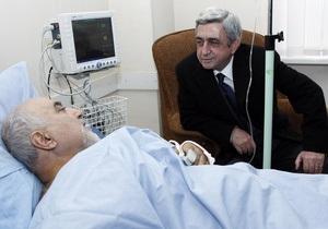 Новости Армении - кандидат в президенты Армении Паруйр Айрикян - выборы Армении - покушение на кандидата в Армении