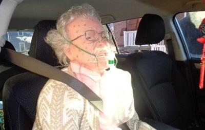 Полиция в США  спасла  от холода манекен