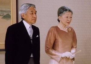 Император Японии посетил Фукусиму
