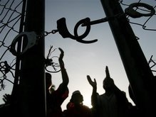 300 заключенных сбежали из индийской тюрьмы