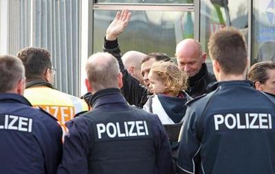 Німеччина витурила з країни майже 24 тисячі мігрантів