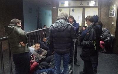 Семенченко и его  отряд  устроили задержания людей на рынке