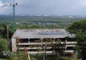 Кличко обжаловал строительство вертолетной площадки для Януковича