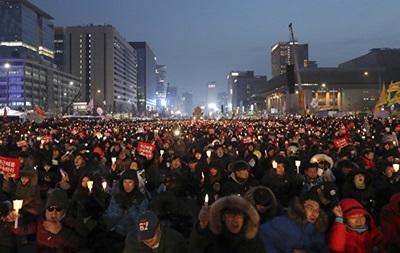 У Південній Кореї сотні тисяч людей протестували проти президента