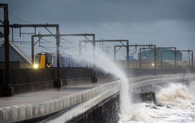 На Шотландию обрушился ураган Барбара