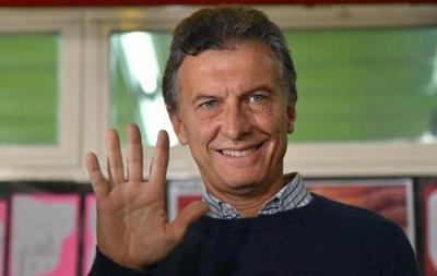 В Аргентині авто президента закидали камінням