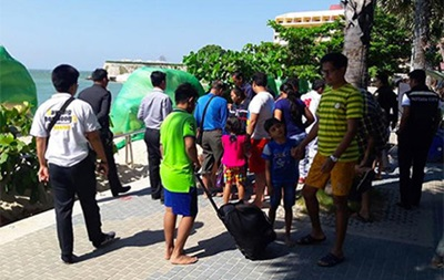 У Таїланді затонув човен з туристами