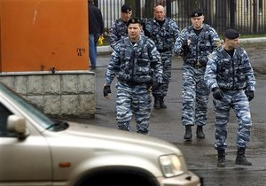 Московским милиционерам поднимут зарплату в два с половиной раза