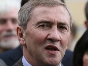 Черновецкий на спецмашине начал демонтаж здания на Московской площади