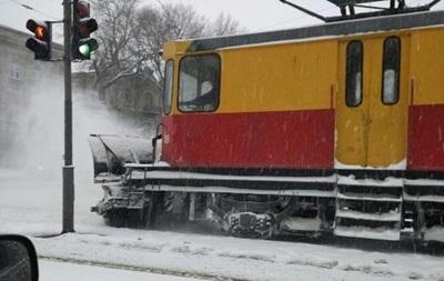 В Одесу не пускають фури та автобуси через сніг