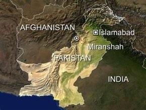 Жертвами теракта на северо-западе Пакистана стали 25 человек