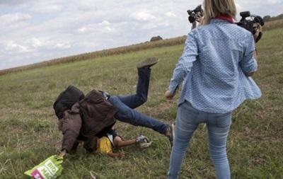 Венгерская журналистка получила условный срок за нападение на мигранта