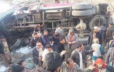У Пакистані вантажівка протаранила школу: є жертви