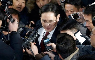Прокуратура видала ордер на арешт глави Samsung