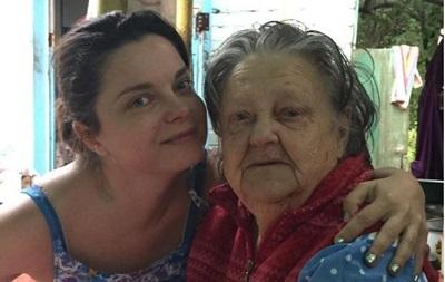 Наташа Корольова не може приїхати на похорон бабусі у Київ
