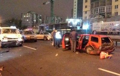 У Києві ДТП із сімома машинами, є постраждалі