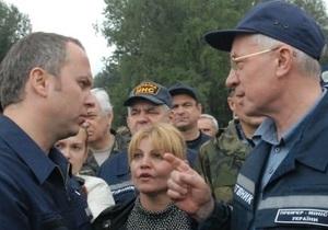 Азаров просит Раду уволить Шуфрича